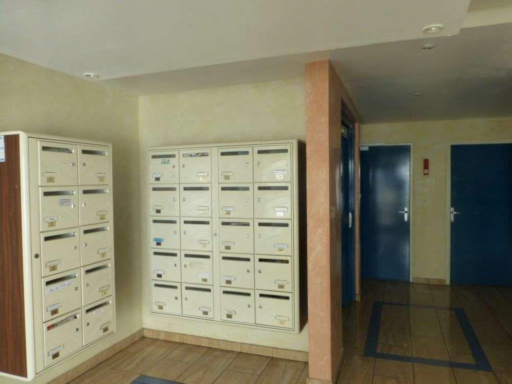 Appartement à vendre 2 39.68m2 à Saint-Denis vignette-2