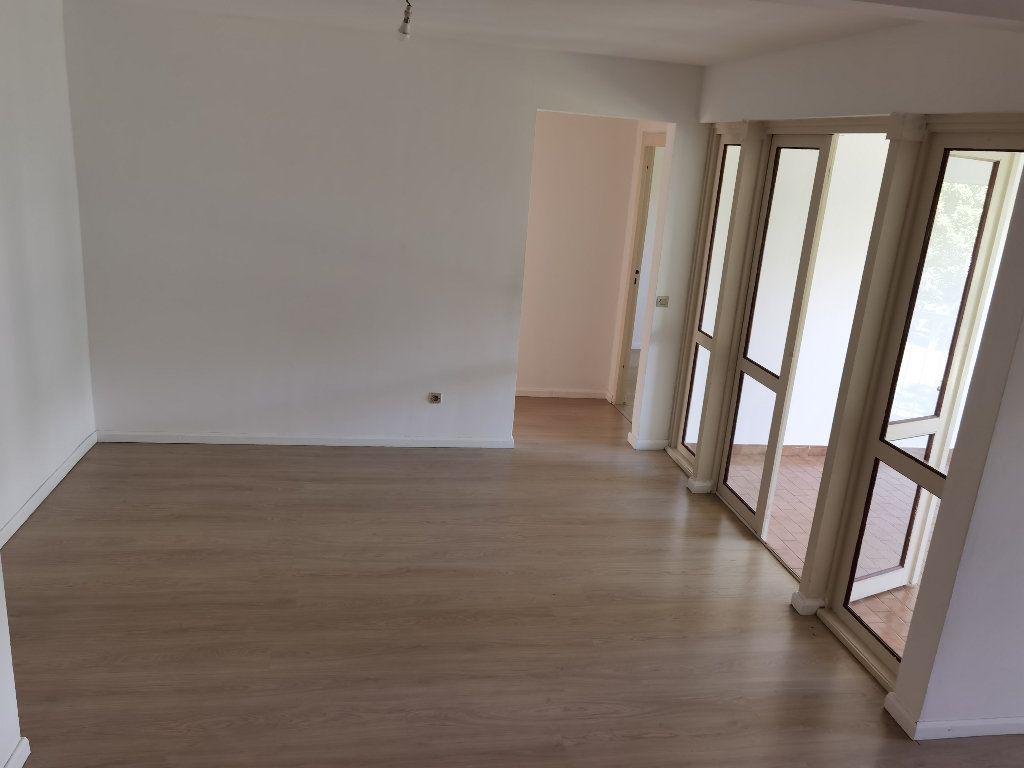 Appartement à louer 5 90m2 à Saint-Denis vignette-2