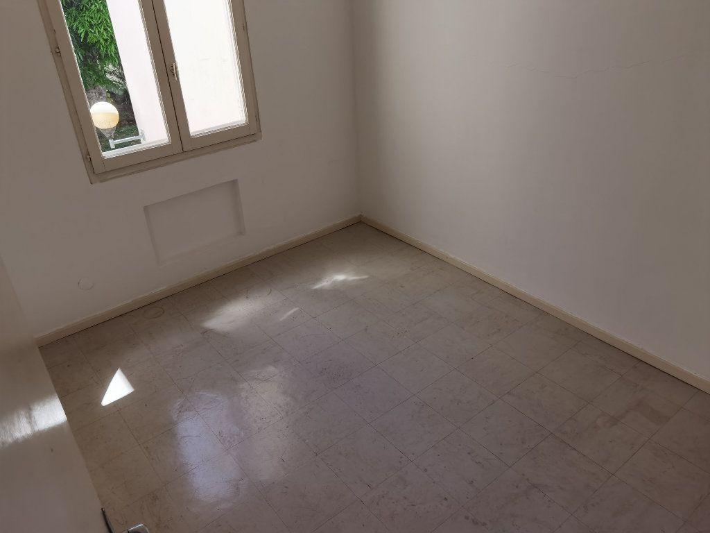 Appartement à louer 5 90m2 à Saint-Denis vignette-8