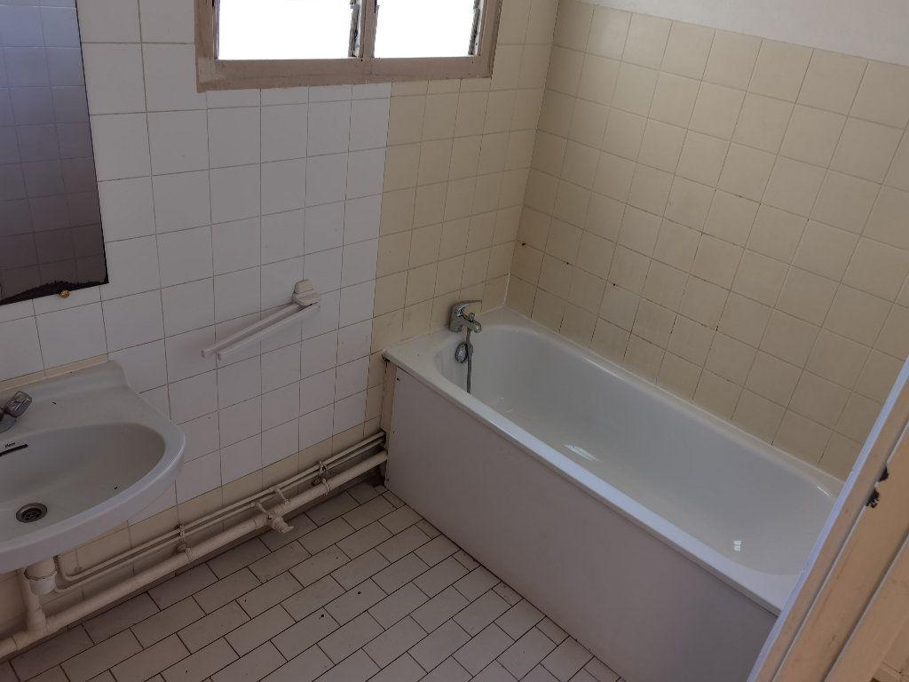 Appartement à louer 5 90m2 à Saint-Denis vignette-9