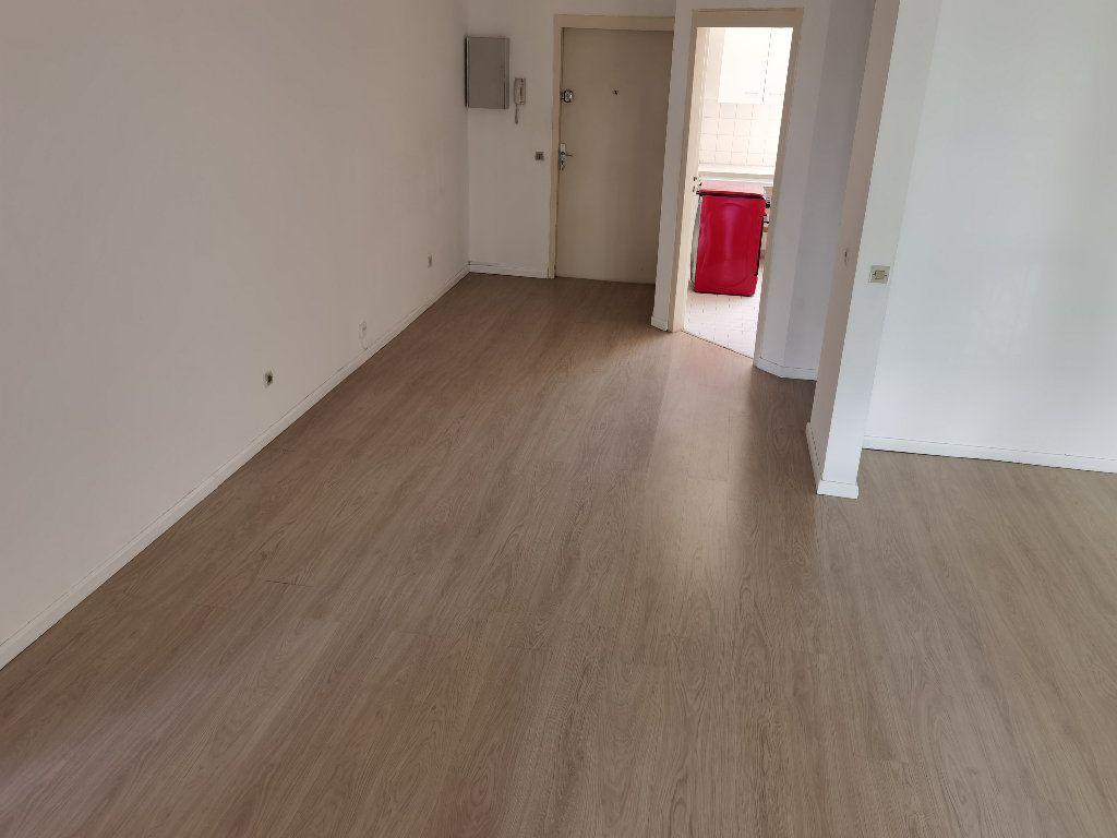 Appartement à louer 5 90m2 à Saint-Denis vignette-10