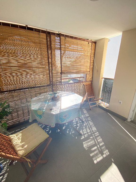 Appartement à vendre 1 40m2 à Saint-Denis vignette-5
