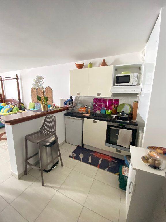 Appartement à vendre 1 40m2 à Saint-Denis vignette-7