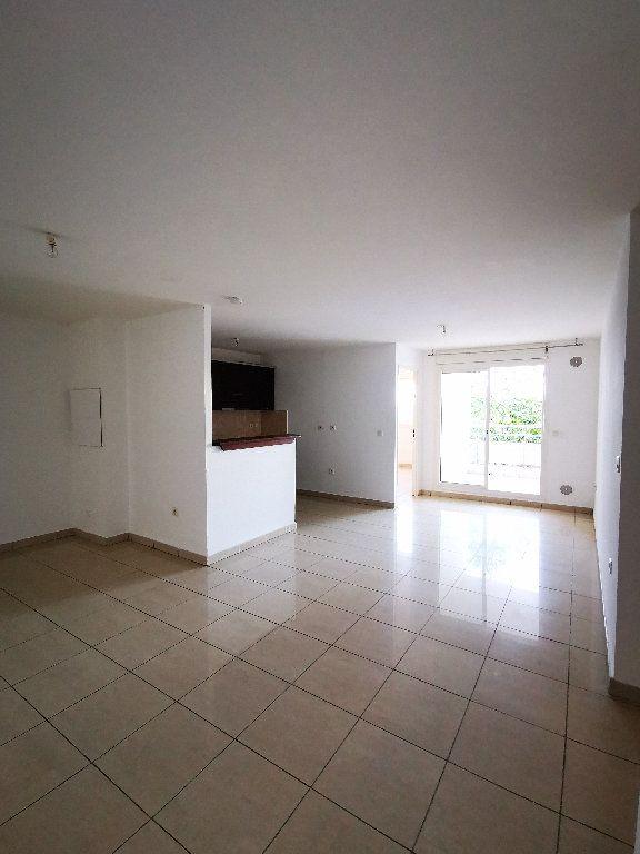 Appartement à vendre 3 64m2 à Saint-Denis vignette-1