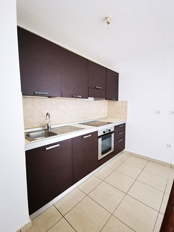 Appartement à vendre 3 64m2 à Saint-Denis vignette-3