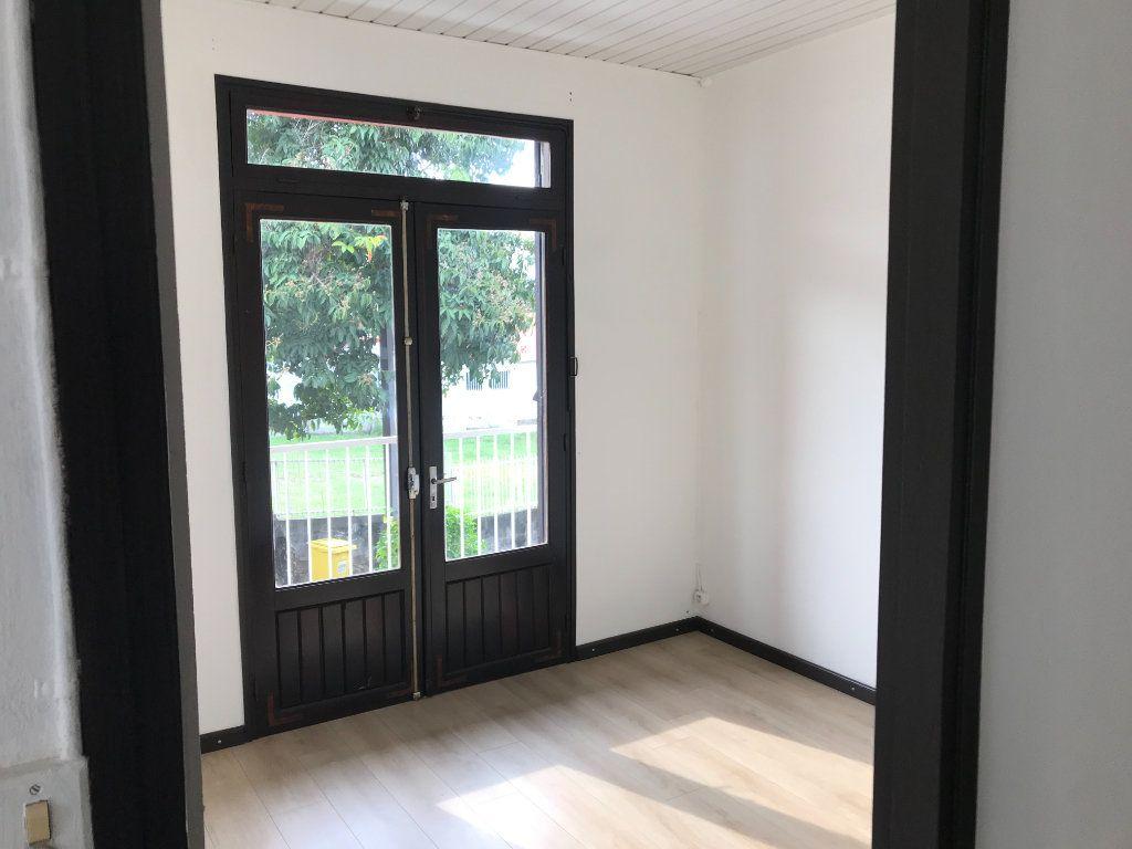Immeuble à vendre 0 355m2 à Saint-Louis vignette-6