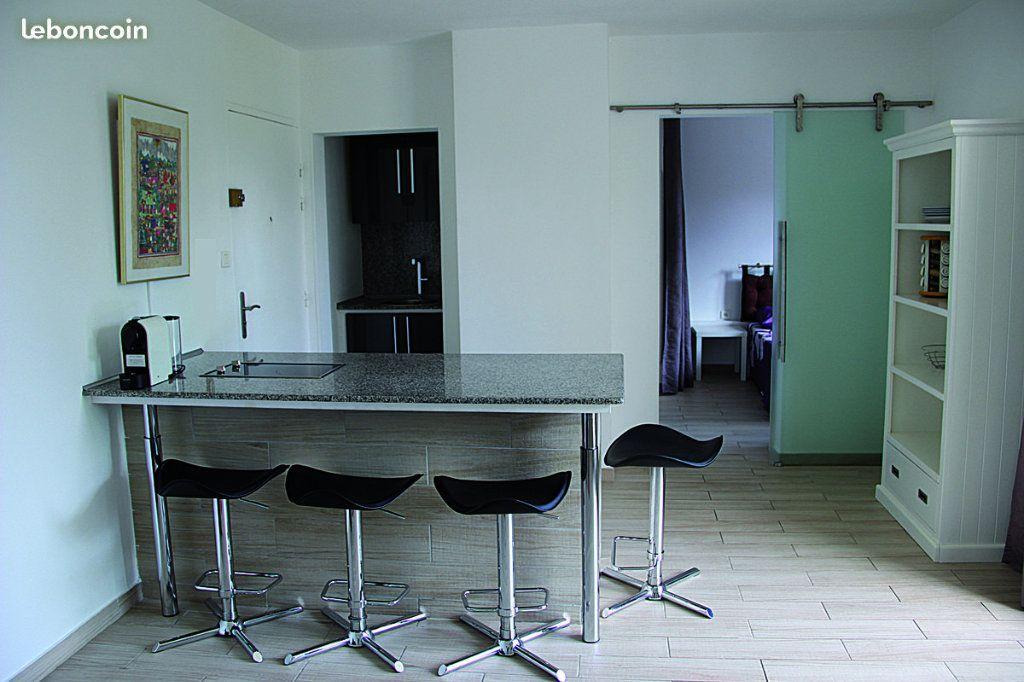 Appartement à vendre 2 39m2 à Saint-Paul vignette-1