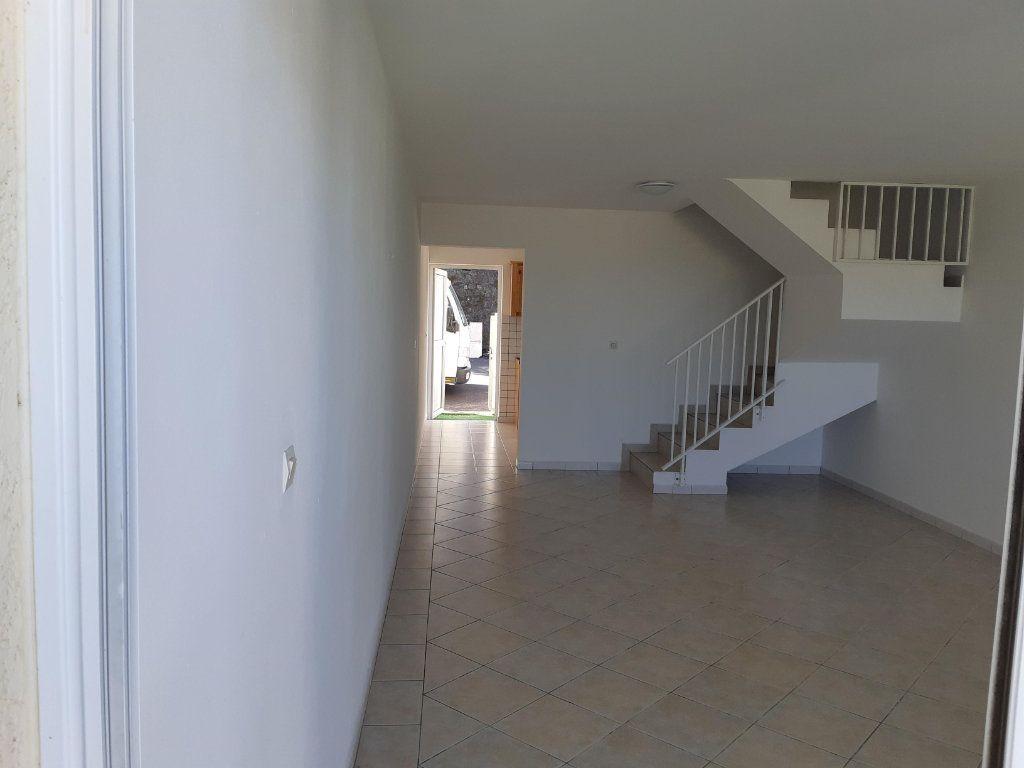 Appartement à vendre 3 79.4m2 à Le Tampon vignette-3
