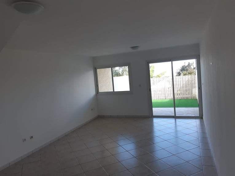 Appartement à vendre 3 76m2 à Le Tampon vignette-4