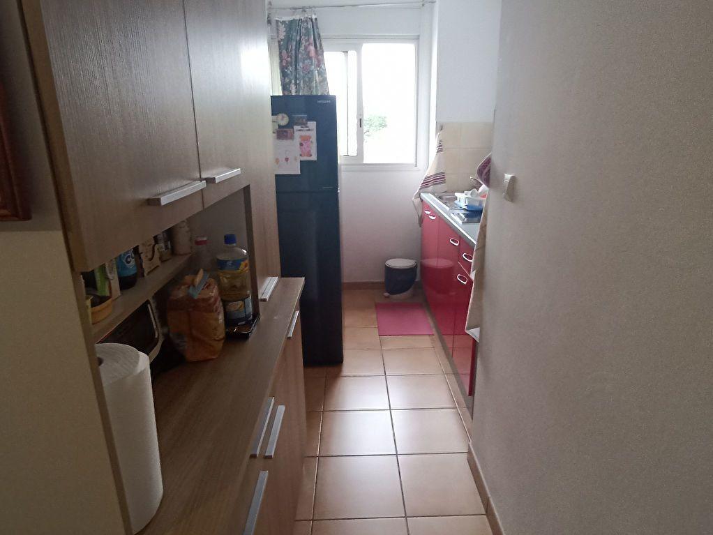 Appartement à vendre 2 42m2 à Le Tampon vignette-4