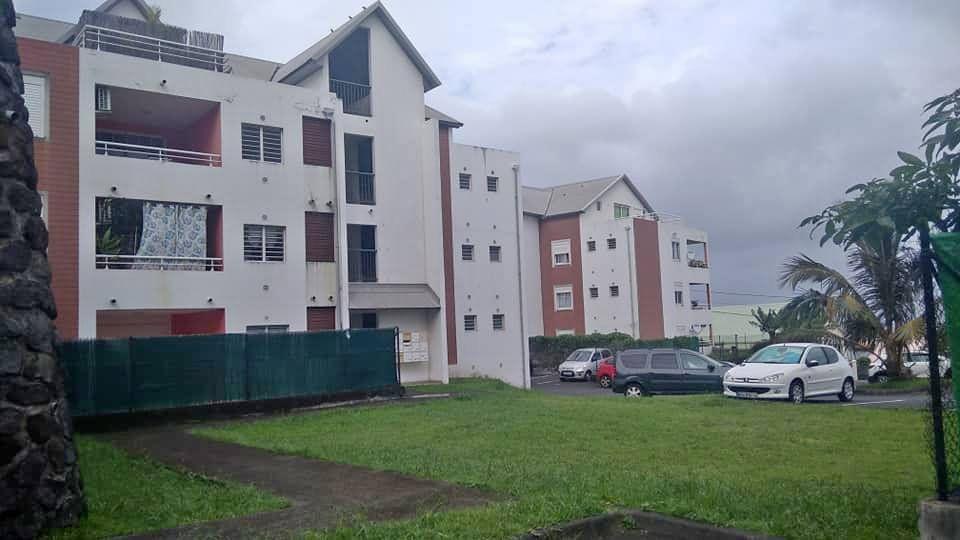 Appartement à louer 2 54m2 à Saint-Joseph vignette-2