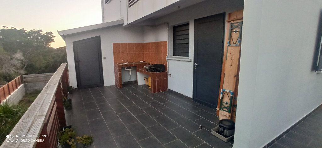 Maison à louer 4 110m2 à Saint-Pierre vignette-6