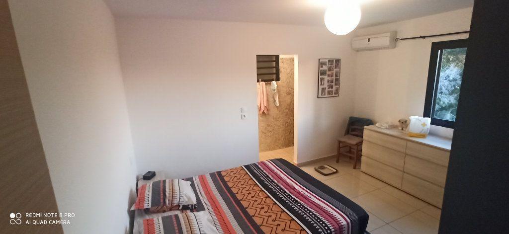 Maison à louer 4 110m2 à Saint-Pierre vignette-16