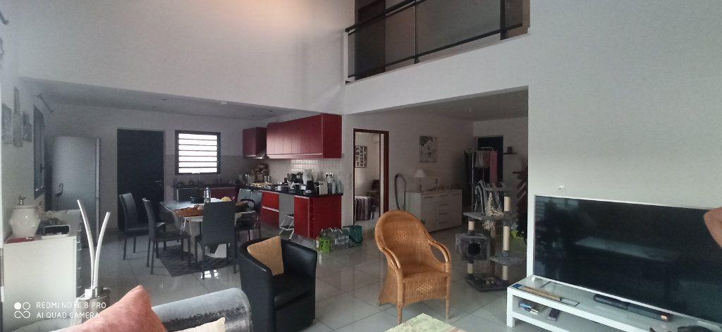 Maison à louer 4 110m2 à Saint-Pierre vignette-17