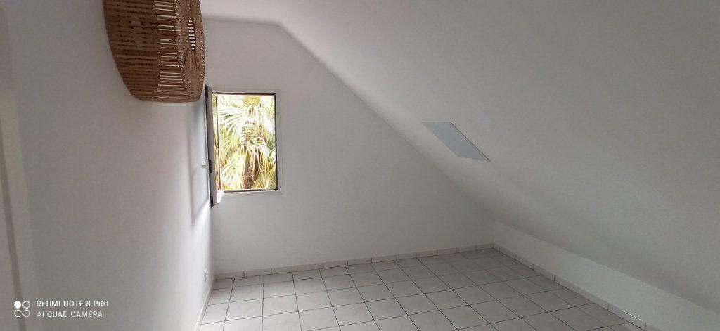 Maison à louer 5 160m2 à Le Tampon vignette-12
