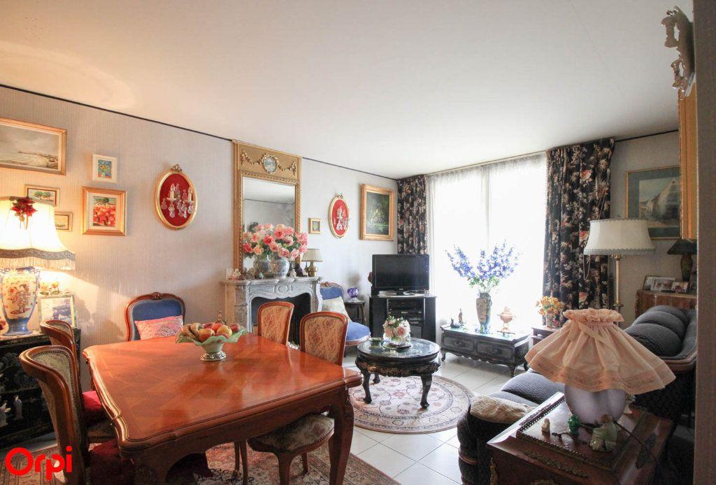 Appartement à vendre 3 81m2 à Éragny vignette-1