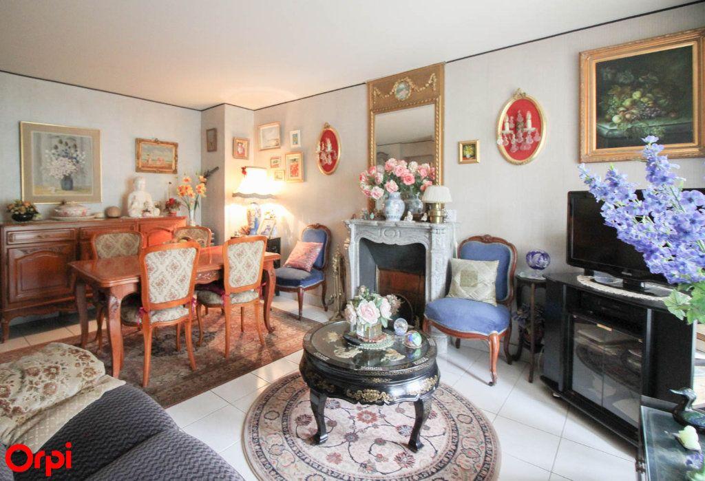 Appartement à vendre 3 81m2 à Éragny vignette-2
