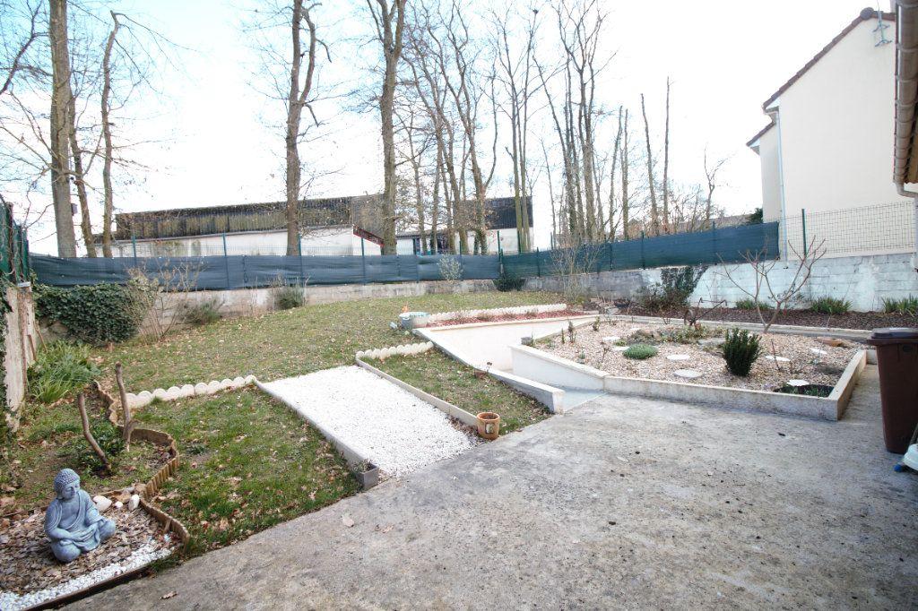Maison à vendre 7 113m2 à Osny vignette-11