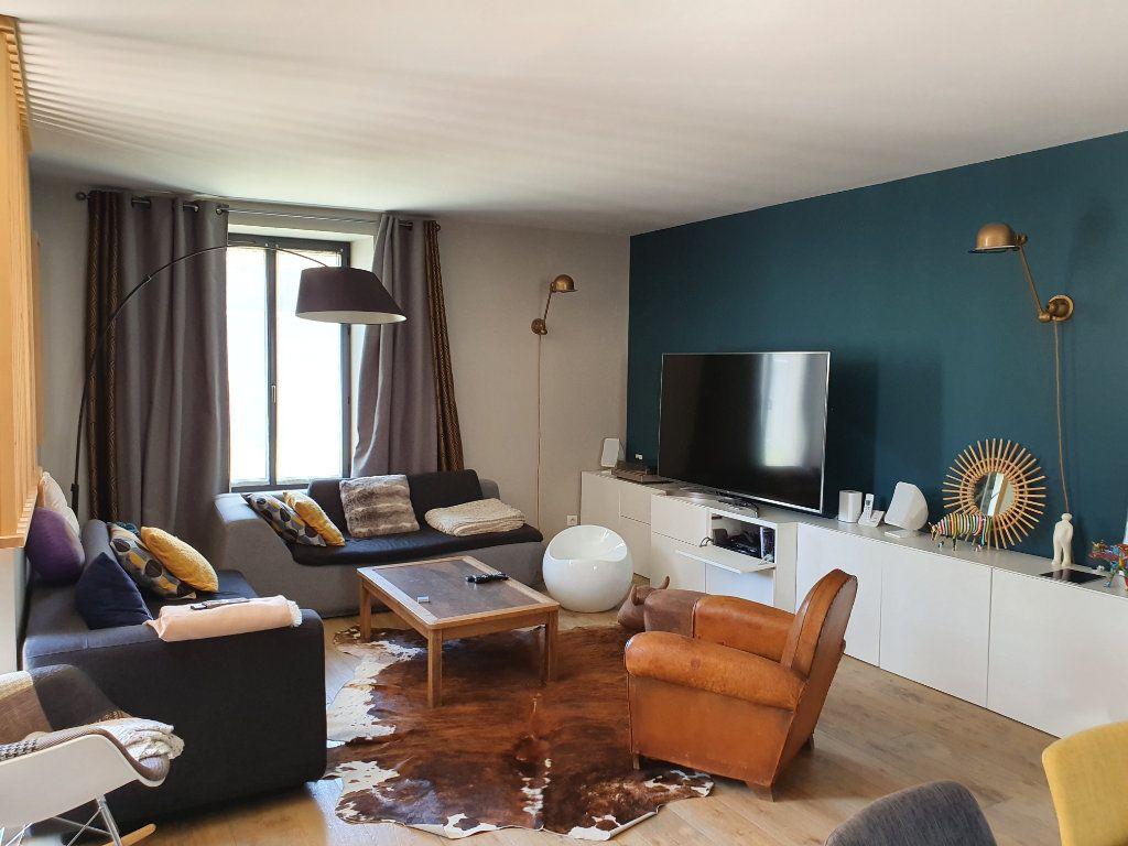 Maison à vendre 5 140m2 à Saint-Hilaire-la-Palud vignette-2