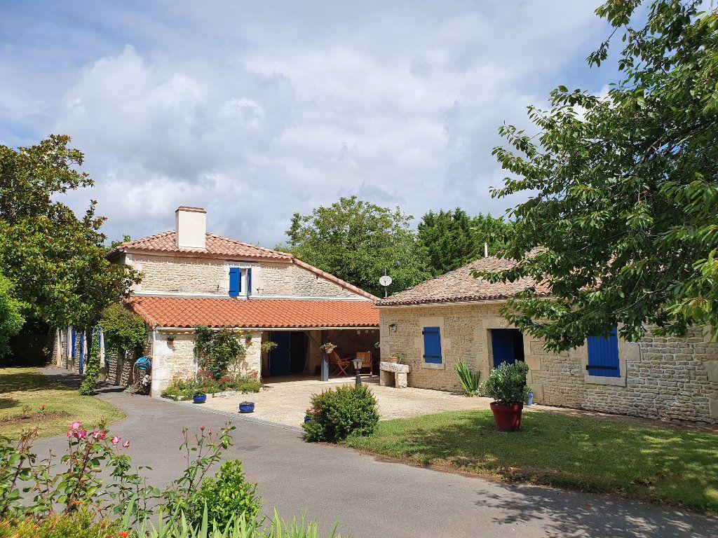 Maison à vendre 7 200m2 à Maillé vignette-5