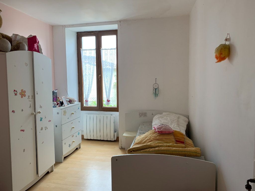 Maison à vendre 5 111m2 à Saint-Cyr-du-Doret vignette-5
