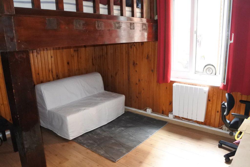 Appartement à louer 1 18.65m2 à Villeurbanne vignette-2