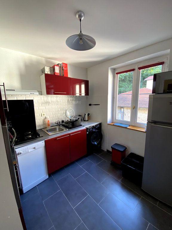 Appartement à vendre 2 34m2 à Caluire-et-Cuire vignette-3