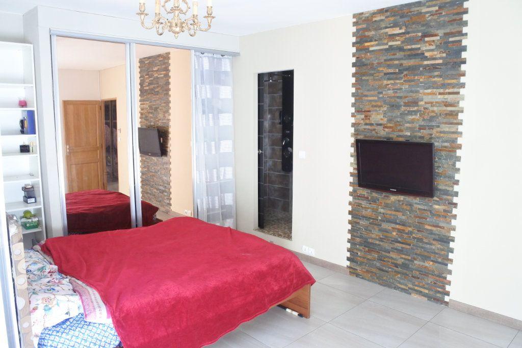 Appartement à vendre 5 130m2 à Lyon 7 vignette-6