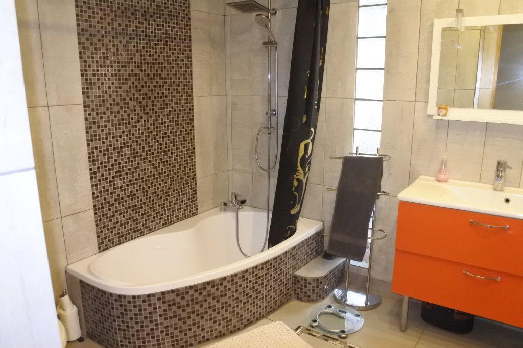 Appartement à vendre 5 130m2 à Lyon 7 vignette-7