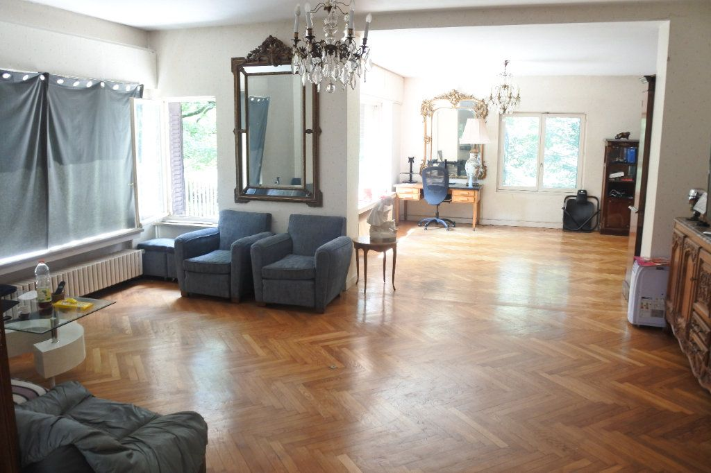 Maison à vendre 8 245m2 à Bron vignette-1