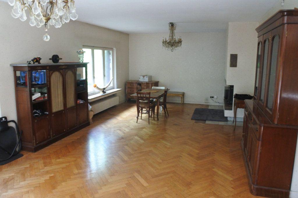 Maison à vendre 8 245m2 à Bron vignette-2