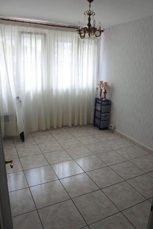 Appartement à vendre 4 74m2 à Saint-Priest vignette-6