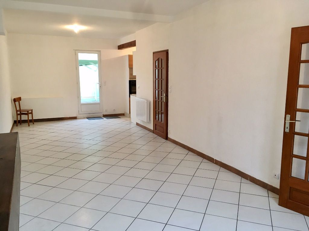 Maison à louer 4 94m2 à Bergerac vignette-1