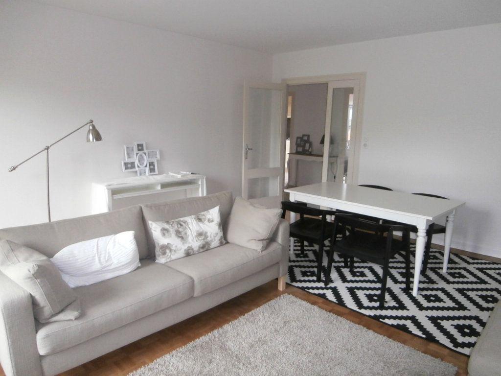 Appartement à louer 4 91.39m2 à Bergerac vignette-1