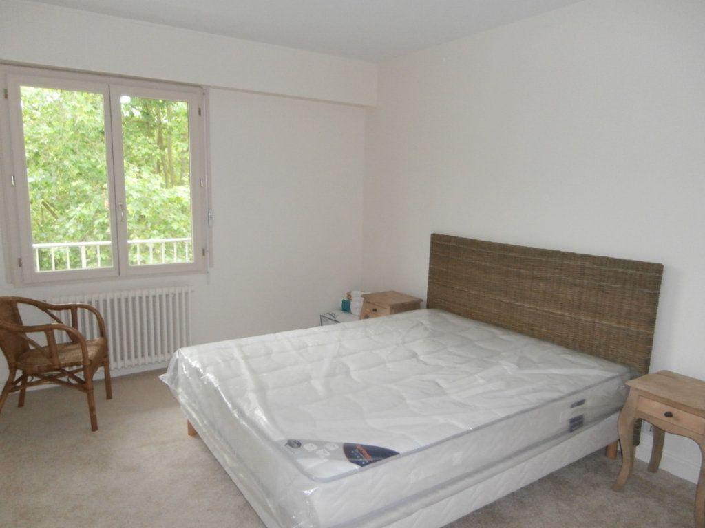 Appartement à louer 4 91.39m2 à Bergerac vignette-4
