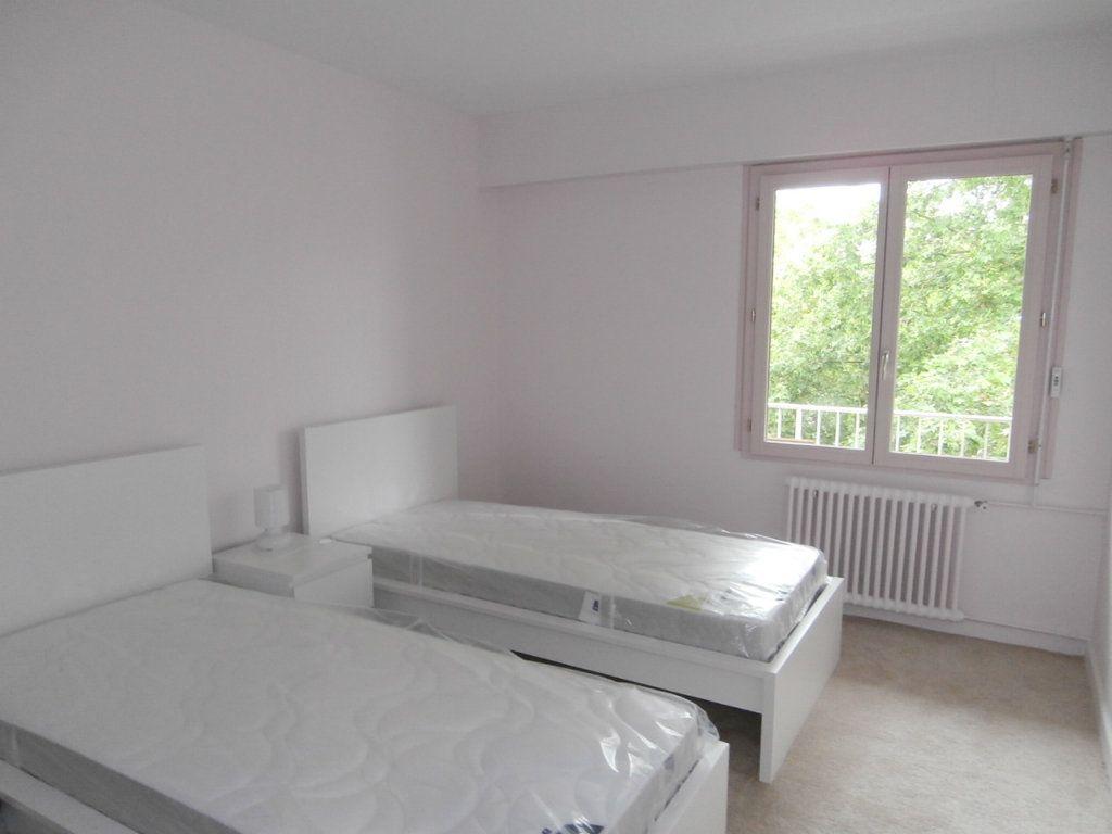 Appartement à louer 4 91.39m2 à Bergerac vignette-6