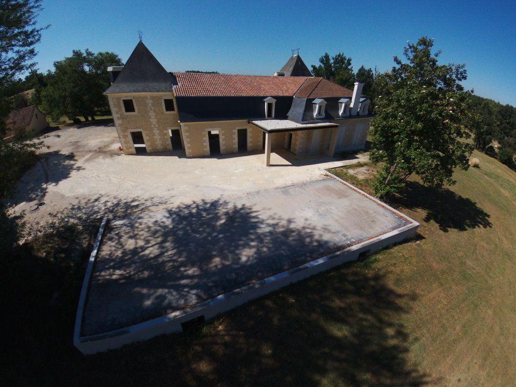 Maison à vendre 0 600m2 à Beauregard-et-Bassac vignette-1