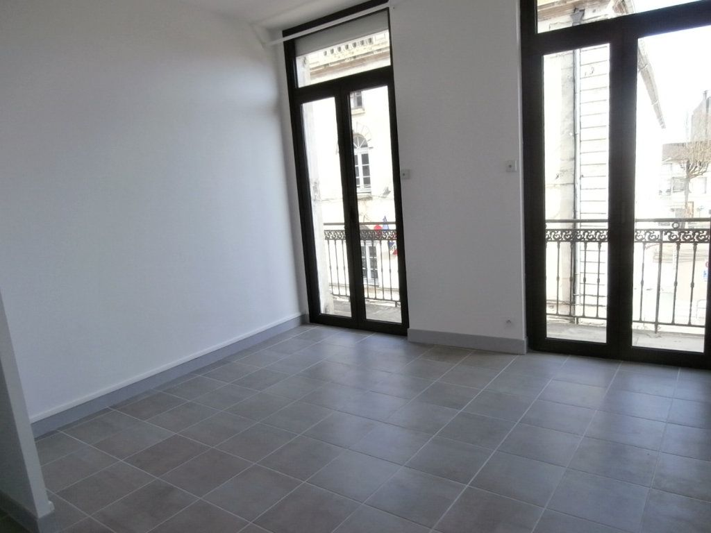 Appartement à louer 3 59.56m2 à Bergerac vignette-1