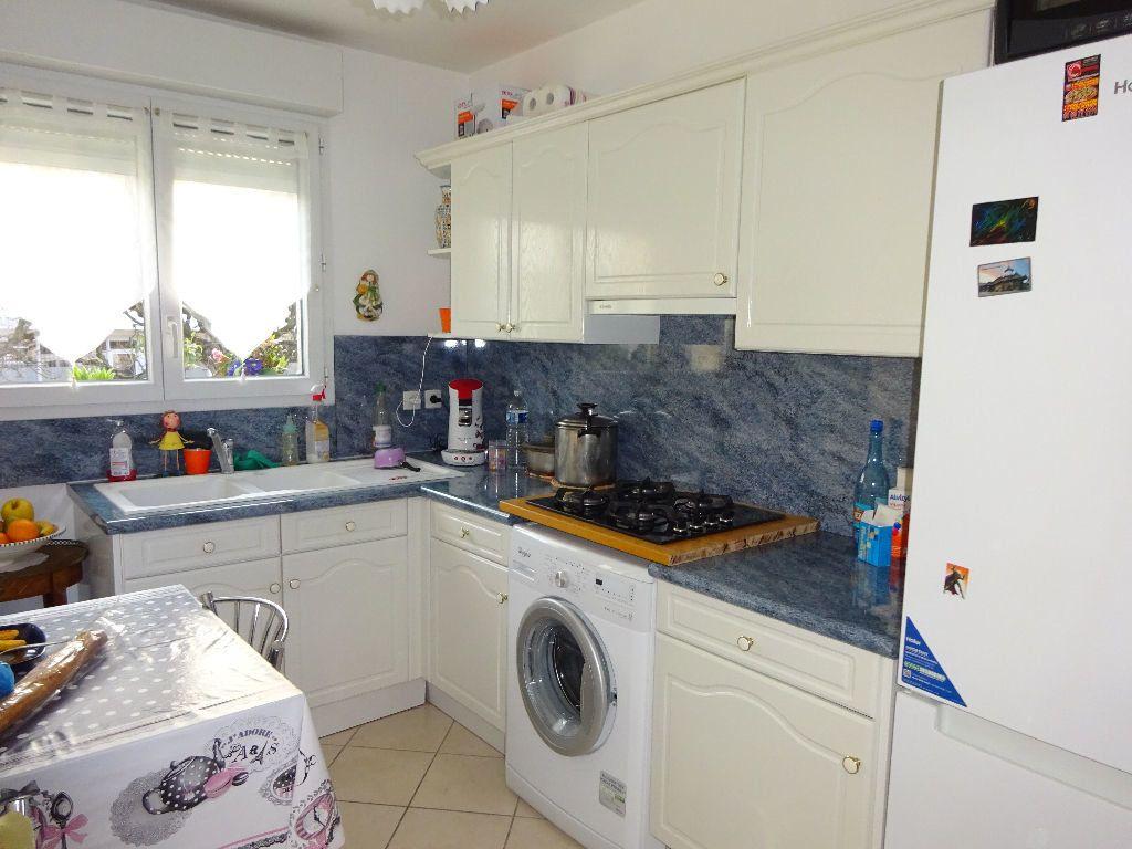 Appartement à louer 3 59.6m2 à Évry vignette-1