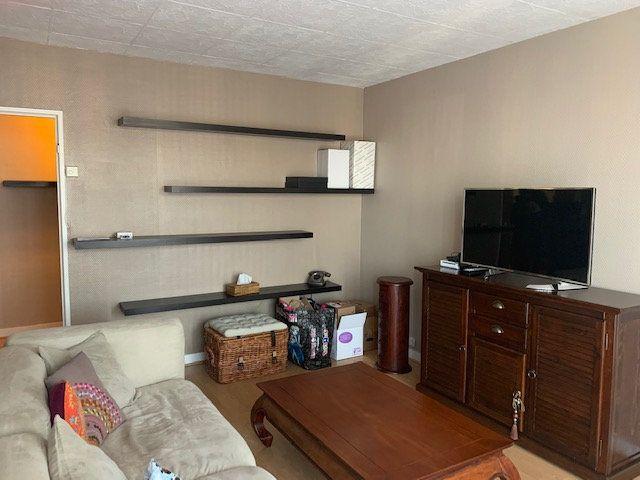 Appartement à louer 3 68.6m2 à Corbeil-Essonnes vignette-1