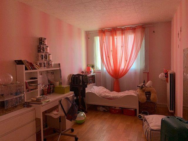 Appartement à louer 3 68.6m2 à Corbeil-Essonnes vignette-4
