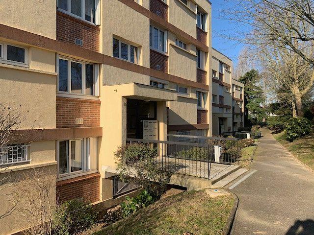 Appartement à louer 3 68.6m2 à Corbeil-Essonnes vignette-7