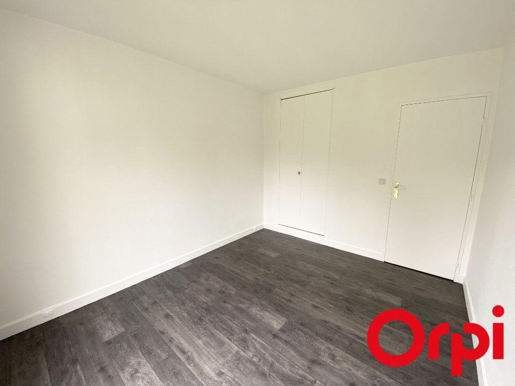 Appartement à vendre 3 65.73m2 à Soisy-sur-Seine vignette-2