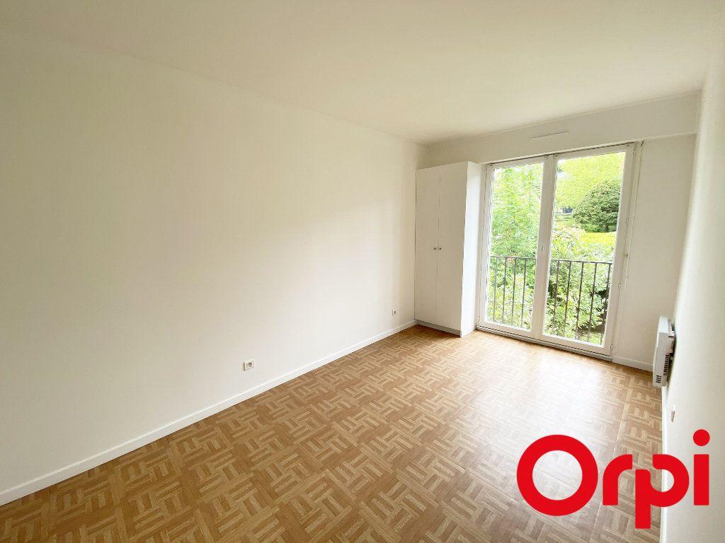 Appartement à vendre 3 65.73m2 à Soisy-sur-Seine vignette-3