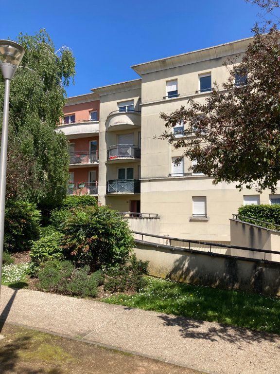 Appartement à louer 3 61.15m2 à Moissy-Cramayel vignette-1