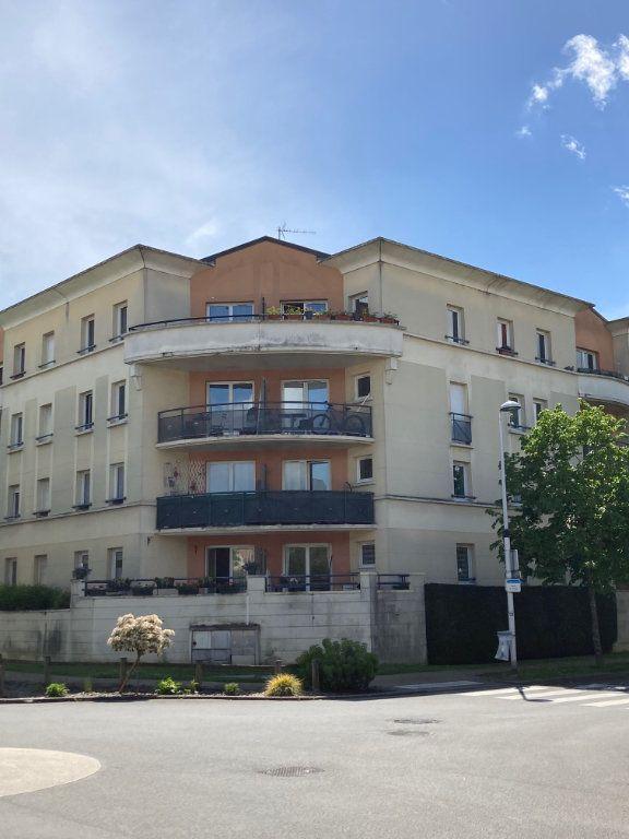 Appartement à louer 3 61.15m2 à Moissy-Cramayel vignette-2