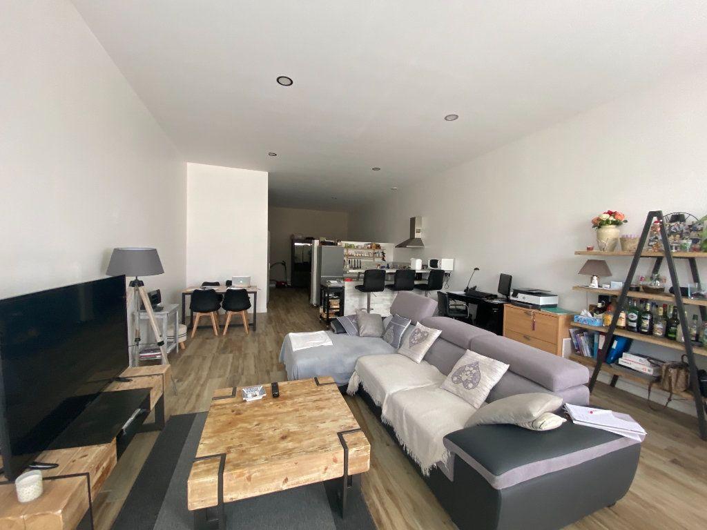 Appartement à louer 2 71m2 à Étiolles vignette-1