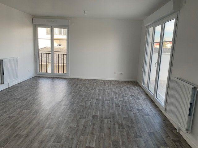 Appartement à vendre 4 83.79m2 à Tigery vignette-3