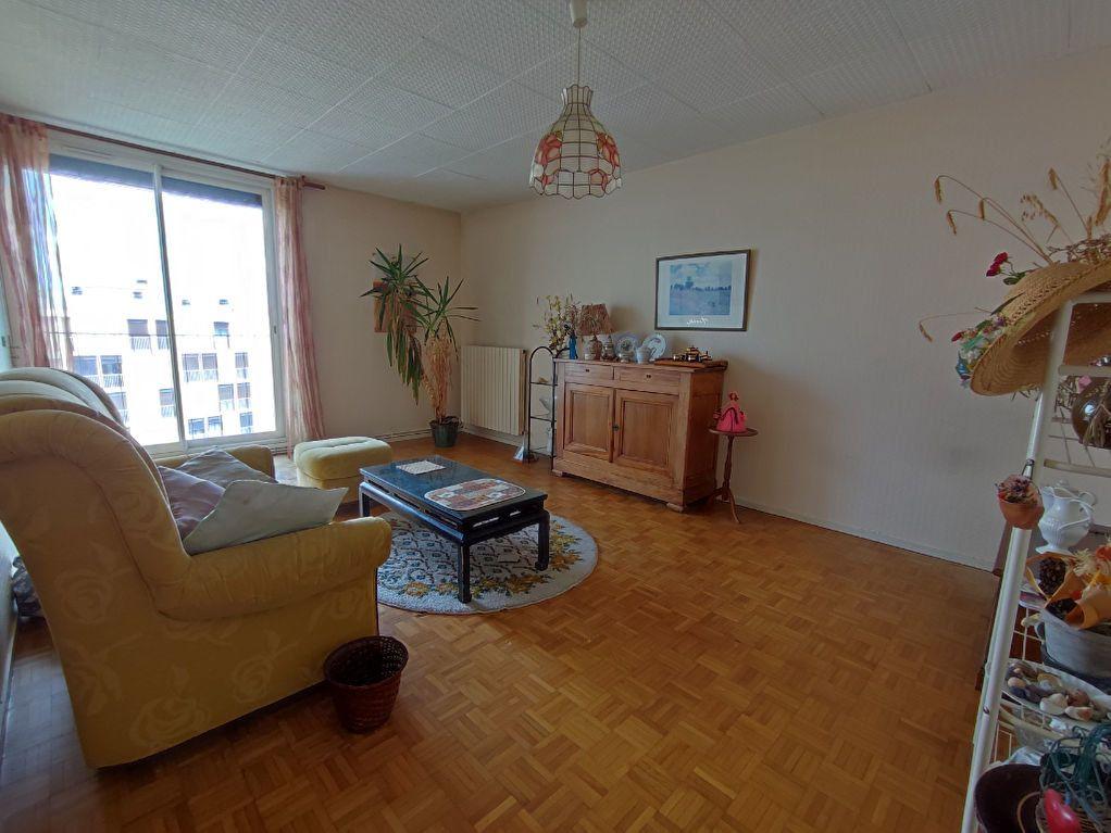 Appartement à vendre 3 64m2 à Colomiers vignette-2
