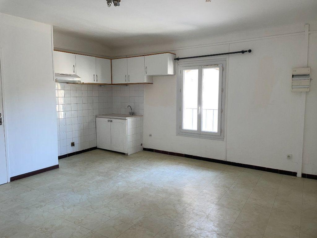 Appartement à louer 2 46m2 à Barbentane vignette-2